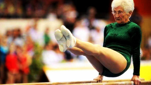old lady Johanna-Quaas-haciendo-gimnasia-nivel_TINIMA20120402_0751_5